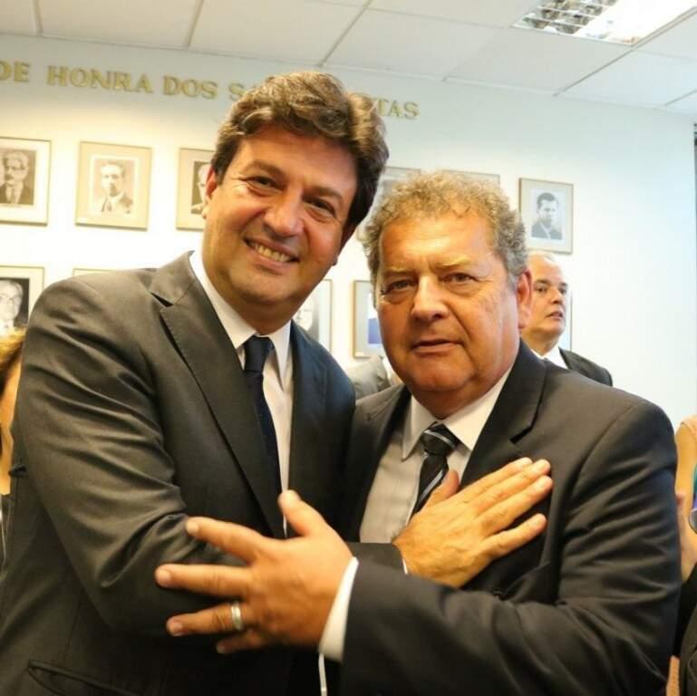 Ministro Henrique Mandetta e Carlos Alberto (Foto: Divulgação)