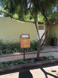 A casinha de leitura está na Rua Sacramento, em frente ao número 501, no São Francisco. (Foto: Arquivo pessoal)