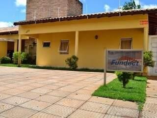 Fachada do prédio da Fundect, em Campo Grande (Foto: Divulgação)