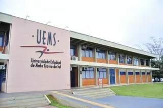 Sede da Uems, em Dourados (Foto: Arquivo)