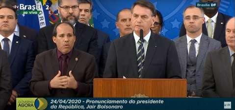 Bolsonaro afirma que Moro barganhou indicação para STF