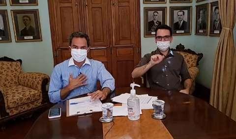 Prefeito diz que vai entregar máscaras nos terminais assim que chegarem