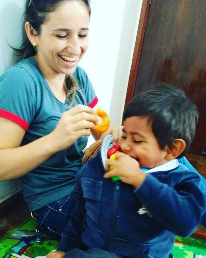 Mãe diz que busca unir conceitos da profissão com a vida dentro de casa. (Foto: Arquivo Pessoal)