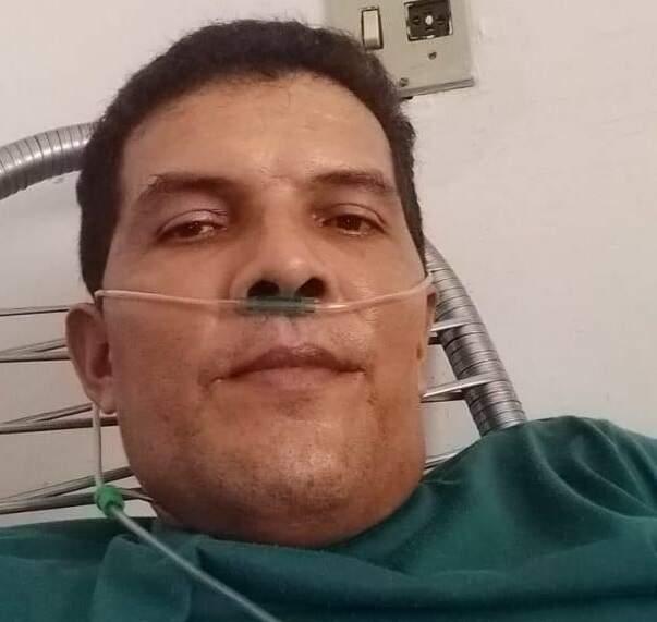 Gerson Rosa faleceu de covid aos 40 anos e é um dos 12 que morreram da doença antes dos 60 anos de idade. (Foto: Arquivo Pessoal)