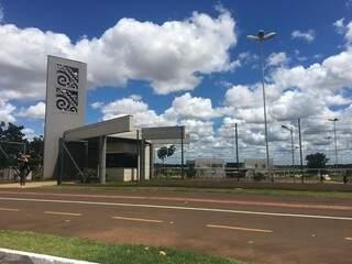 Entrada da Uems em Campo Grande (Foto: Arquivo)