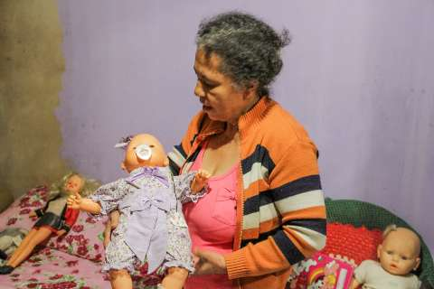 Um mês após assassinato, na voz da mãe a lembrança de Carla é amor