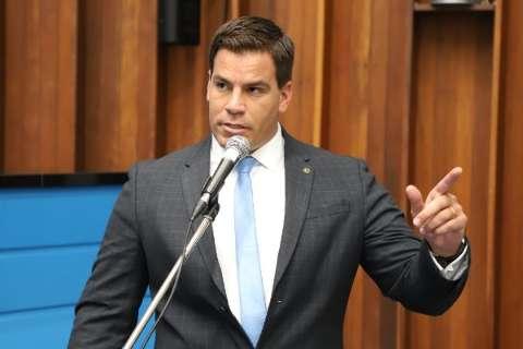 Depois de ação na tentativa de deixar partido, PSL quer mandato do deputado