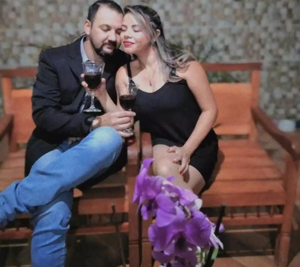 Com a esposa Luciana: amor dos 18 aos 38. (Foto: Arquivo da Família)