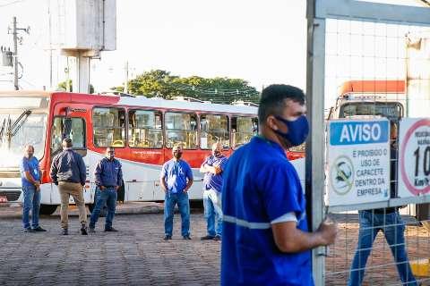 Trabalhadores do transporte decidem em assembleia se entram em greve