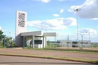 Campus da UEMS em Campo Grande. Auxílio financeiro vale para alunos de todos os campus (Foto: Paulo Francis/Arquivo/Campo Grande News)