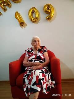 Em abril, durante comemoração, sem festa, do aniversário de 109 anos em plena pandemia. (Foto: Arquivo da Família)