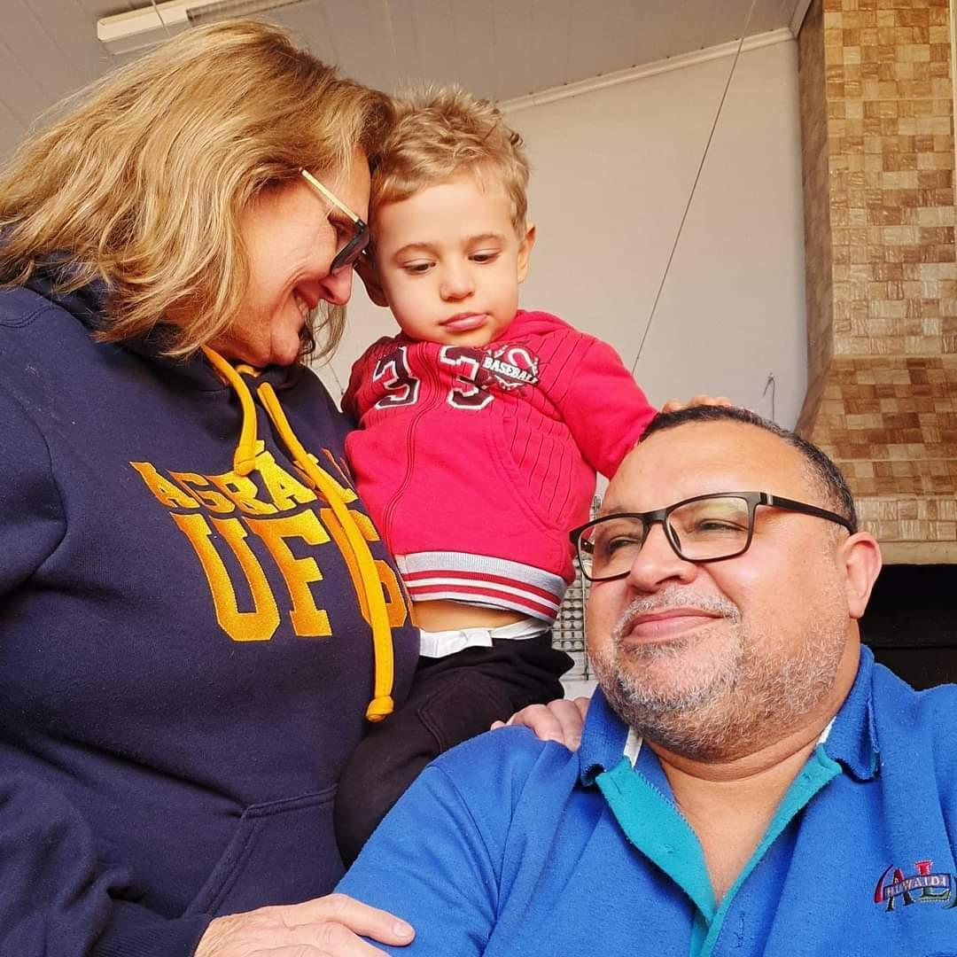 Encontro aconteceu depois de 90 dias sem que Benício visse os avós Bete e Paulo. (Foto: Arquivo Pessoal)