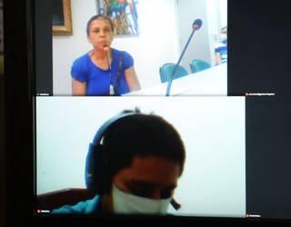 Na imagem da reunião virtual, a mãe da vítima aparece no mesmo quadro que o assassino. (Foto: Reprodução de vídeo)