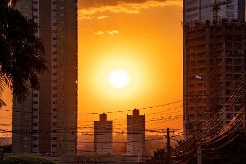 Dia mais seco do ano tem umidade abaixo de 10% e sensação térmica de 50°C