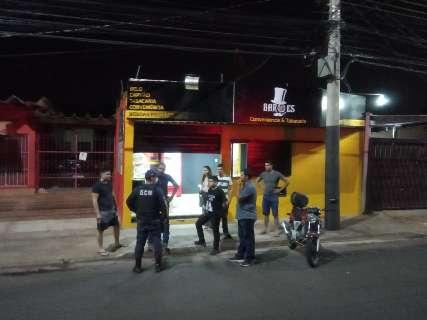 Sextou na rua: 450 pessoas são mandadas para casa pela Guarda Civil