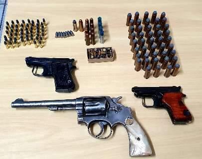 Operação contra queimadas apreendeu armas e munições em fazenda