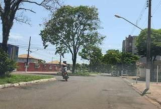 Cruzamento das ruas Mato Grosso com Oliveira Marques, trecho incluído no recapeamento (Foto: Helio de Freitas)
