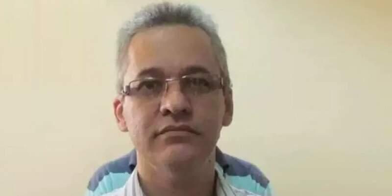 O delegado há duas décadas está afastado e preso por outro crime: tráfico de cocaína, que sumiu de delegacia de Aquidauana. (Foto: Arquivo/Campo Grande News)