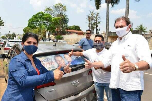 Candidatos Marcelo Miglioli (SD) e Epaminondas Vicente (SD), durante adesivagem na Capital (Foto: Reprodução - Facebook)