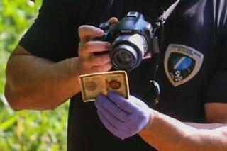 Polícia encontrou documentos na bolsa que constavam nome de registro de Sucia. (Foto: Marcos Maluf)