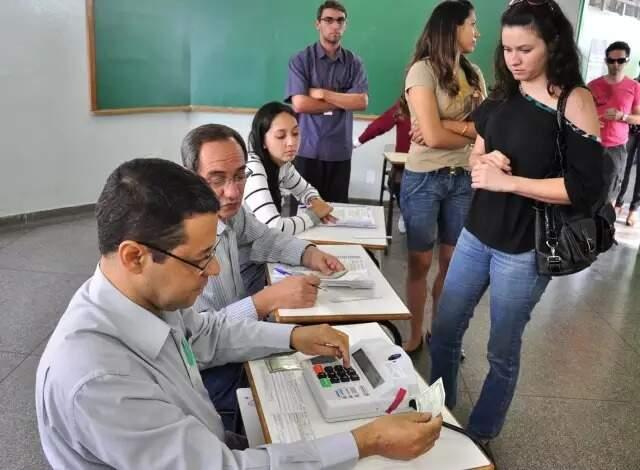 Eleitores na fila para votar (Foto: Campo Grande News/Arquivo)