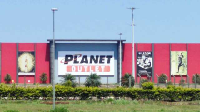 """Mesmo com fronteira """"fechada"""", Shopping China e Planet reabrem dia 5"""
