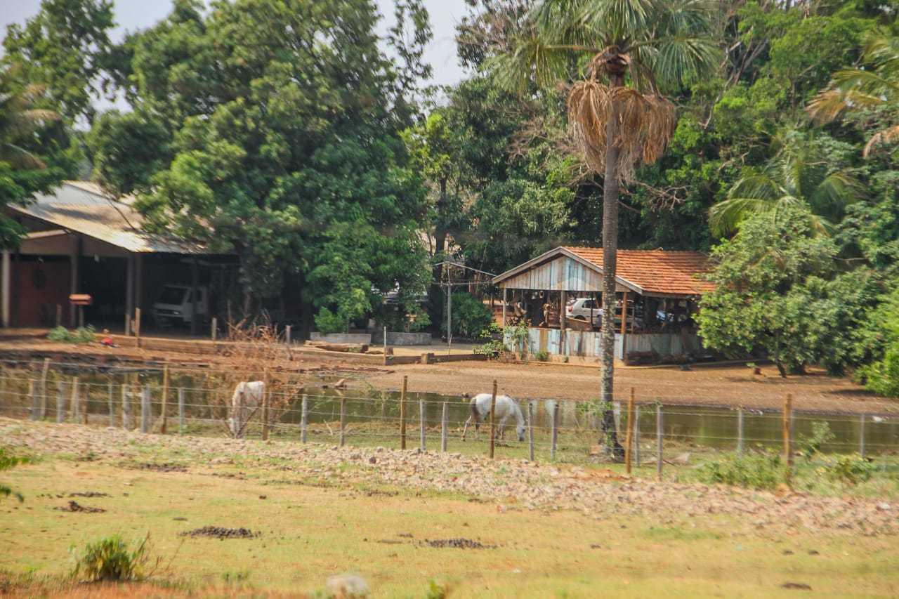 Chácara no Bairro Caiobá, um dos endereços ligados ao vereador que foi vasculhado (Foto: Marcos Maluf)