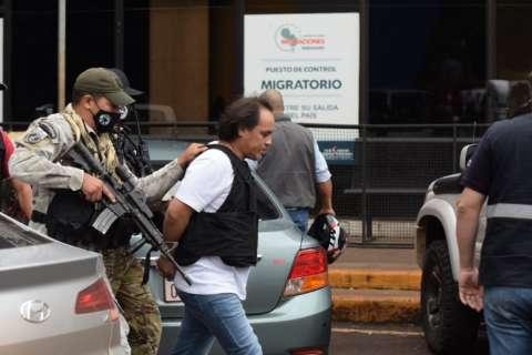"""""""Pingo"""", chefe da máfia do cigarro na fronteira, é expulso do Paraguai"""