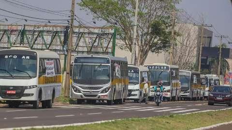 """Candidato a vereador convoca """"vanzeiros"""" para transporte na Capital"""