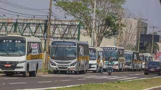 Vans e ônibus escolares em protesto no mês de setembro. (Foto: Marcos Maluf | Arquivo)