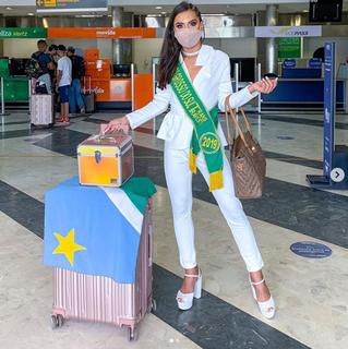 Mariane Cordon Cáceres, eleita Miss Trans Mato Grosso do Sul, em 2019, embarcando para etapa nacional (Foto: Reprodução/Instagram)