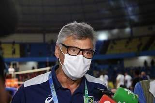 Renan Dal Zotto, treinador da Seleção Brasileira, acompanhou a final (Foto: Paulo Francis)