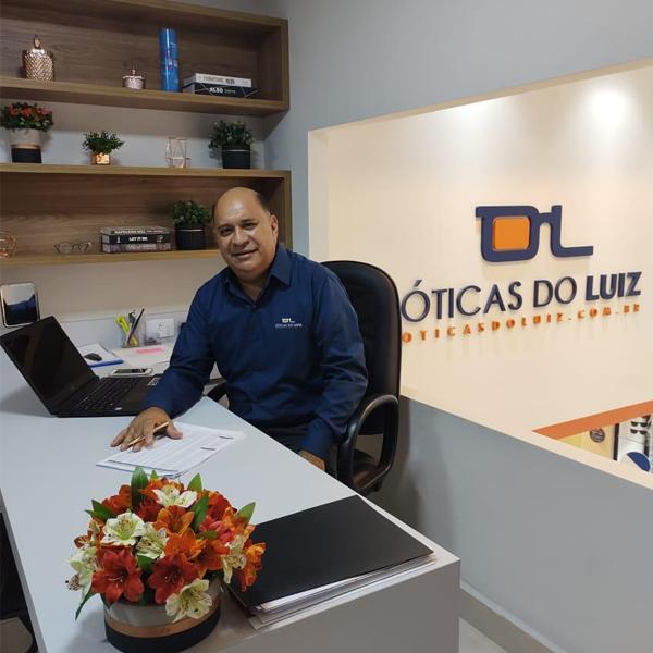 Após um ano de estudos, os empresários Luiz Marcelo e Diogo Coelho abrem a Óticas do Luiz (Foto: Reprodução)