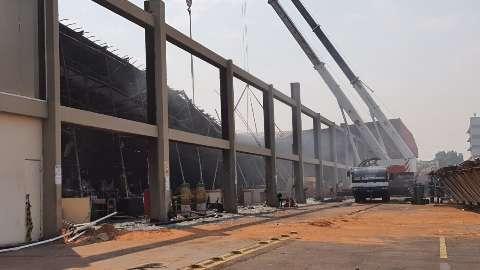 """Causa de incêndio no Atacadão foi """"fogo proposital"""", indica perícia do local"""