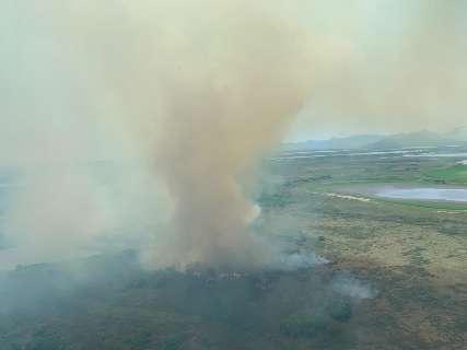 Brigadistas concentram combate ao fogo a 20 km de comunidade indígena