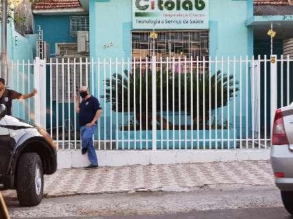 Laboratório do irmão do prefeito recebeu R$ 982 mil e já foi da primeira-dama