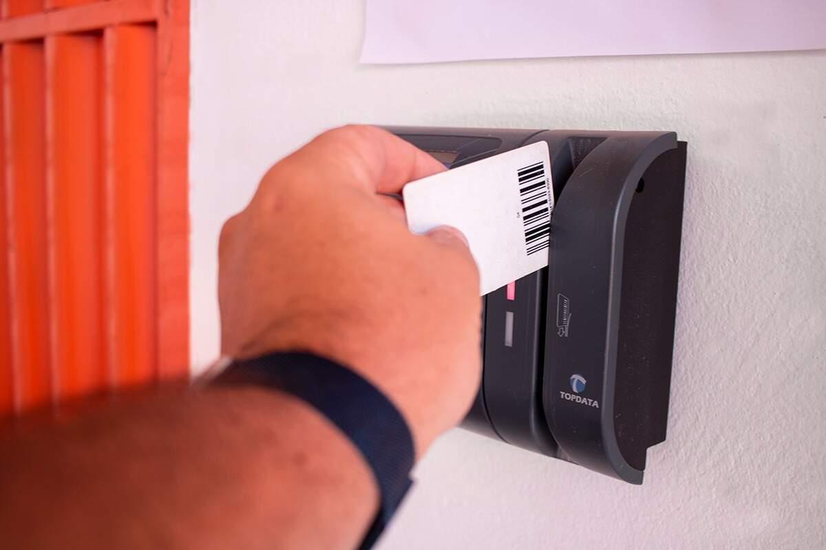 . O acesso é 100% seguro, controlado e individualizado, feito por meio de cartão intransferível. (Foto: Segurança)