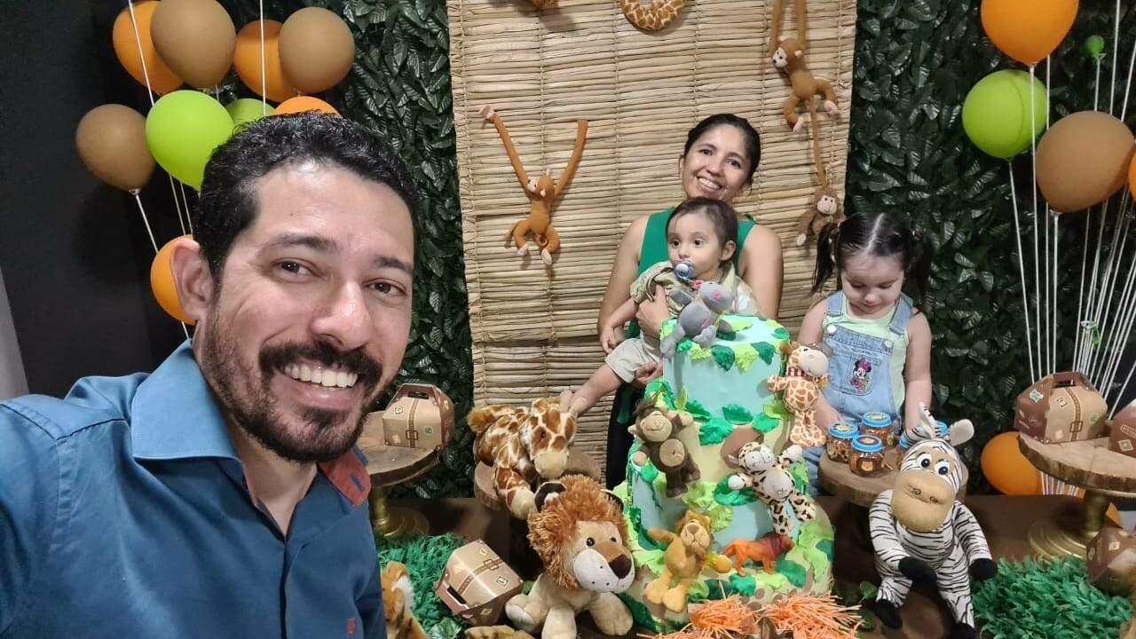 Família de Isaac reunida (Foto: Arquivo Pessoal)