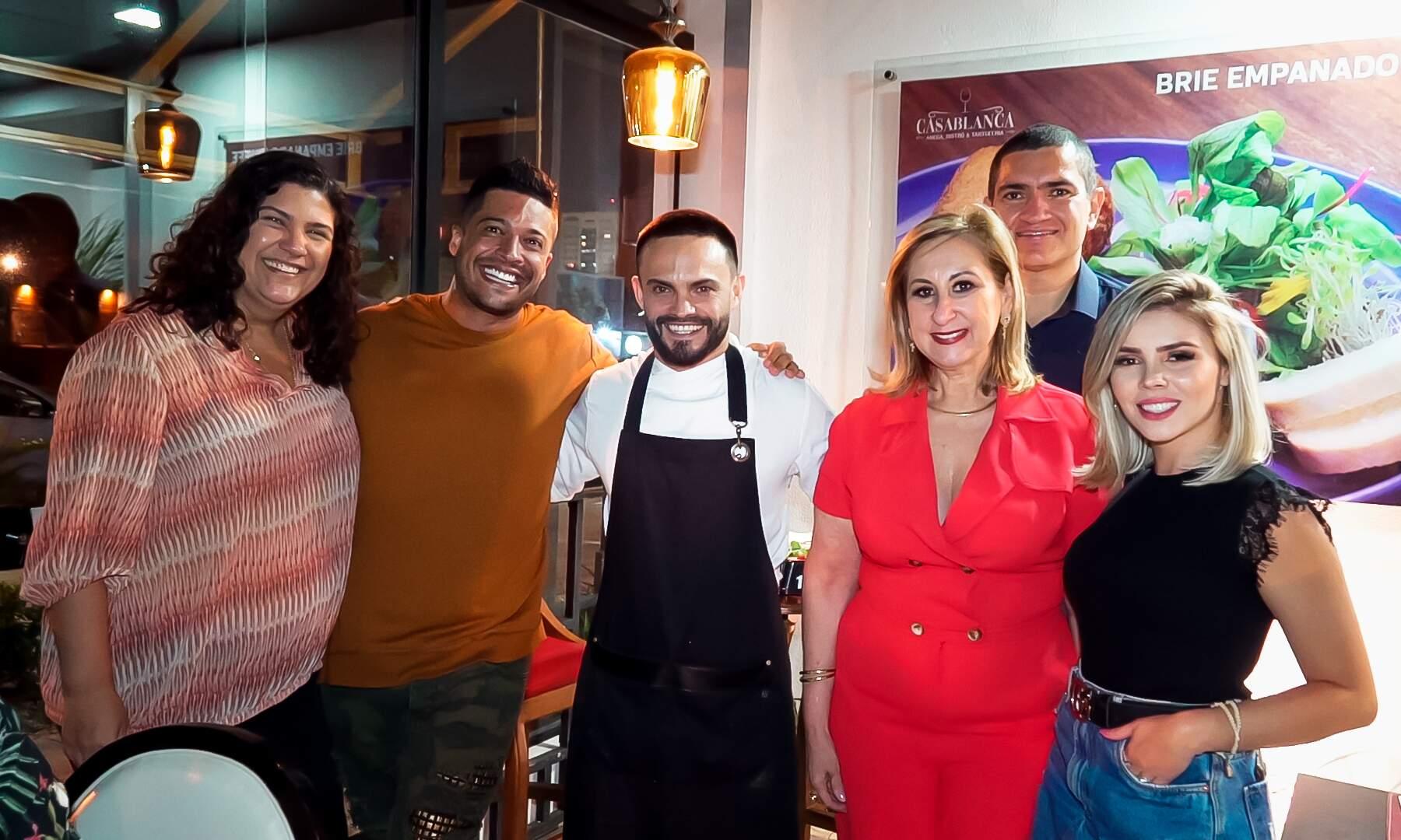 Márcia Marinho, Felipe Caran e a influencer Jéssica Pesseti foram conferir as novidades do Casablanca (Foto: Festas e Eventos TV)