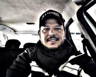 Luciano era taxista há 20 anos, mas também trabalhava como motorista de aplicativo. (Foto: Arquivo Pessoal)