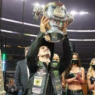 Depois de título mundial, peão será recebido como herói em Ribas