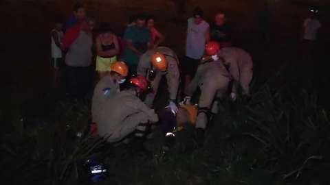Motociclista é intubado após sofrer queda em trecho mal sinalizado de rodovia