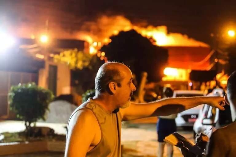 Incêndio em atacadista foi uma das matérias mais lidas de 2020. (Foto: Marcos Maluf / Arquivo)