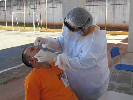 Em dois meses, número de presos infectados por covid aumenta em 37,88%