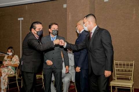 Prefeito de Corumbá recontrata 116 comissionados após demissão em massa