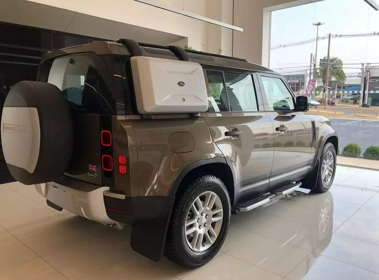 A Land Rover Defender que foi furtada de dentro de concessionária em Campo Grande. (Foto: Divulgação)