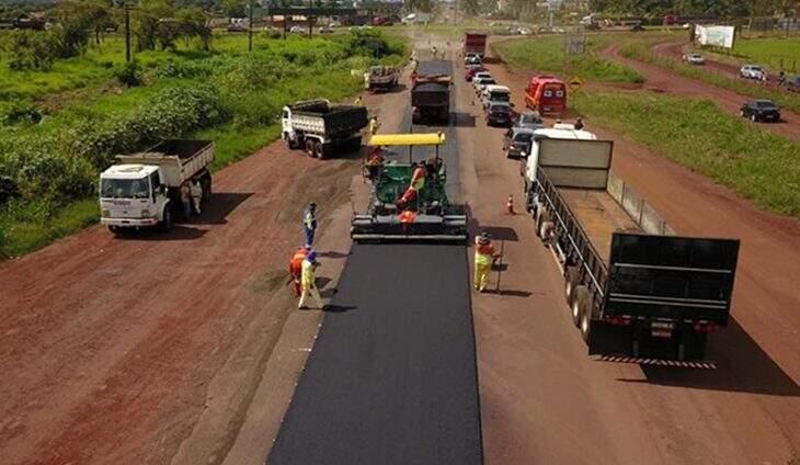 Rodovia recebendo as melhorias do pacote de obras. (Foto: Divulgação)