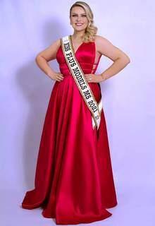 Em 2021, ela se tornou Miss Plus Modelos MS e que concorre ao Miss Universo (Foto: Arquivo Pessoal)