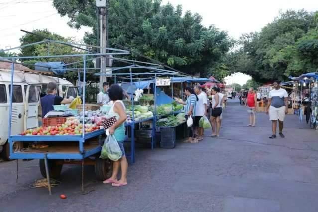 Feiras livres são lugar de comida gostosa, verdura fresca e gente boa
