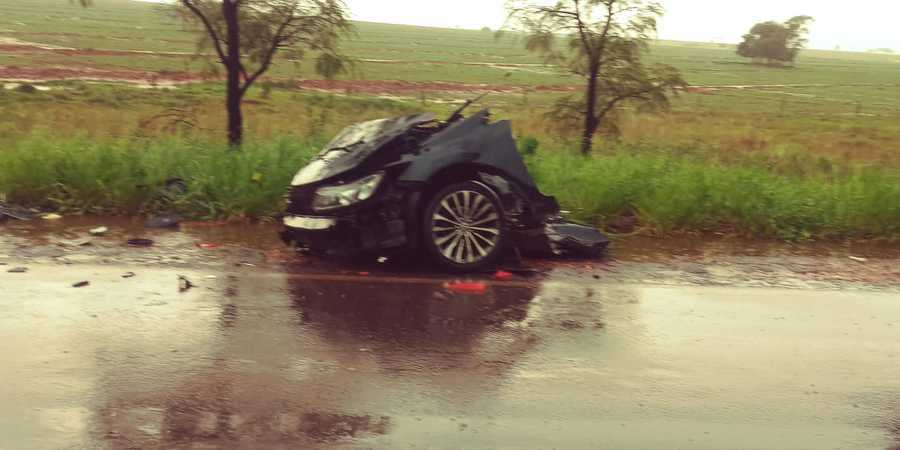 Frente do Honda Civic onde estava Ronan. (Foto: Nova News)